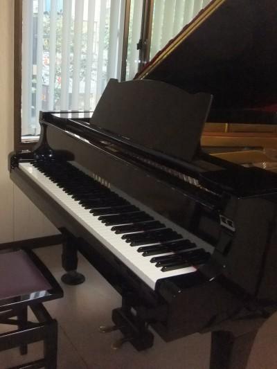 銀座教室ピアノ